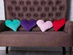 декоративные подушечки в форме сердечка