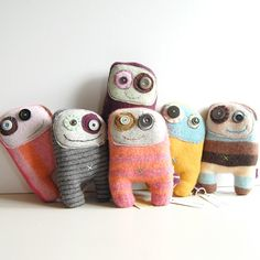 How cute are these monsters? (link to Etsy shop)