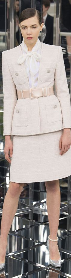 Usually I am not a big fan of the traditional skirt suit but the cut and color of this Chanel is enough to change my mind! The placement and style of the pockets and collarless neckline keep it from looking prim or dated.  (Haute Couture Chanel, 2017)