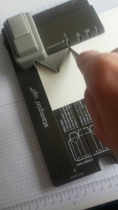 Vor Kurzem zeigte Daniela auf ihrem Blog eine tolle Box, die mit dem Stanz-/Falzbrett für Geschenketüten entstanden ist. Ich fand die...