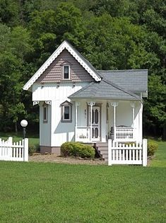 This 452 sq. ft. tiny victorian cottage was built in 1998 by the homeowners in Hagerhill, KY. They built it for their grand daughter after finding out about tiny houses on Oprah back in the day. It... #tinyhouseinteriorcottages