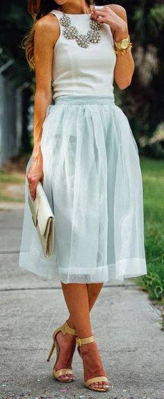 Latest fashion trends: Street fashion | Mint tulle and statement necklace
