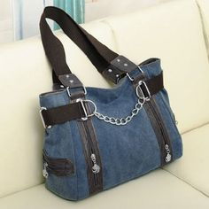 Leisure Women's Tote Bag With Chain and Canvas Design