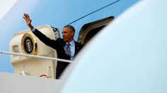 U.S. President Barack Obama waves as he boards Air Force One upon his departure from Joint Base Andrews in Washington, U.S. April 19, 2016. (Photo: Kevin Lamarque/Reuters)