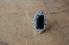 art deco black glass ring / 1930s rings / SWEET ROOT via Etsy.
