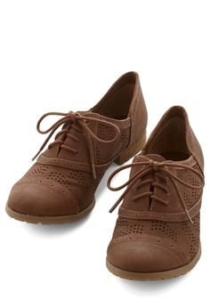 Positively Perf Flat. Theres a noticeable skip in your step today and youre sure it has something to do with these vegan faux-leather Oxfords! #brown #modcloth