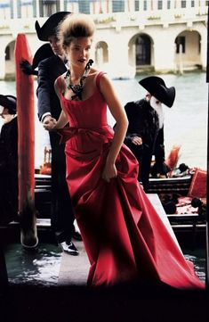 Natalia Vodianova in Venice, photographed by Mario Testino, Vogue, July 2005.