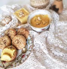 Mini-bułeczki 🍪 z twarogu i otrębów  razem z delikatnym pasztetem z kurczaka 🐣 omn mnom mnom.💕 Czy lubisz bułeczki? #bułeczki #fitbuleczki… Vegan Cake, Cereal, Cheese, Breakfast, Food, Breakfast Cafe, Raw Vegan Cake, Vegan Pie, Essen