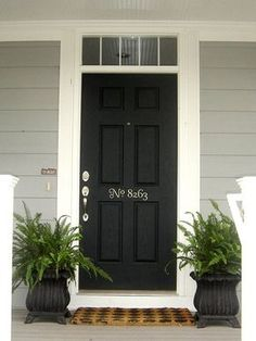 Love this decal for the front door.