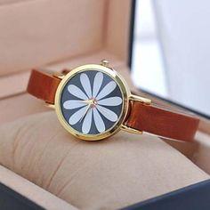 moda encantadora de cuarzo relojes de diseño de la flor de las mujeres – MXN $ 158.34