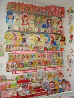 Strawberry Shortcake from the 80s...This is awesome! I want that entire second row!