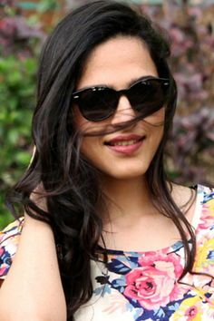 Shop on: http://www.lolascloset.in/sunglasses/black-rounded-wayfarers/p-7367768-2919105283-cat.html#variant_id=7367768-2919105283