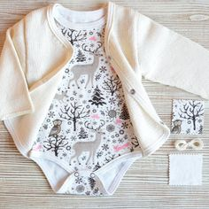 Baby Unisex Coming Home Outfit  Newborn Take by KnitStudioAndy