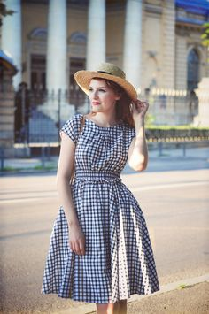 Sweet check dress. Good for strolling around on a warm day