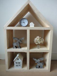 origineel huis van mmkado gemaakt van steigerhout te gebruiken als boekenkast poppenhuis letterbak wandmeubel etc stoer op de baby en kinderkamer