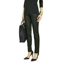 CURRENT/ELLIOTT Gold Houndstooth Jeans SZ25 NEW From designers CURRENT/ELLIOTT is this super versatile pair of skinny jeans. Features a gold foil houndstooth print over black in the classic 5-pocket style.  These can be worn with your favorite stilettos or with chunky lug soled Jeffrey Campbell's. BRAND NEW, NEVER WORN with tags From Neiman Marcus Retail approx. $230 SIZE: 25 Current/Elliott Jeans