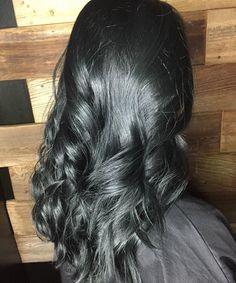 Charcoal hair. Sandra Ciola · Capelli color argento ad992ddb7e0e