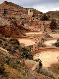 ZONA MINERA - RODALQUILAR Granada, Spain Holidays, Beautiful Sites, Seville, Spain Travel, Best Hotels, Trip Planning, Grand Canyon, Wildlife