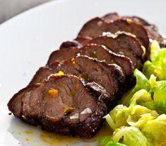 Vildsvinskarré med apelsinglaze och brysselkål   Recept.se Rhone, Steak, Dinner, Food, Dining, Food Dinners, Meals, Yemek, Eten