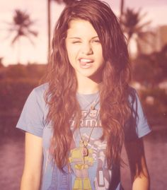 Photo of My Idol for fans of Selena Gomez 28712155 Selena Gomez Daily, Selena Gomez Pictures, Pretty People, Beautiful People, Divas, Cool Vintage, Vintage Outfits, Book 15 Anos, Alex Ross