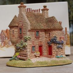 Lilliput Lane Edzell Summer House by vladamikdesigns on Etsy, $25.00