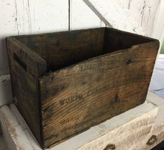 6 x BURNT TOURCHED WOOD VINTAGE WOODEN APPLE FRUIT CRATE RUSTIC OLD BUSHEL BOX.. Boxes/Chests
