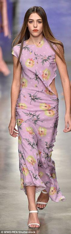Lottie Moss flaunts her toned legs on LFW catwalk | Daily Mail Online