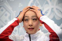 ソチ冬季五輪、フィギュアスケート女子シングル・フリースケーティング(FS)。キスアンドクライで待機する浅田真央(Mao Asada、2014年2月20日撮影)。(c)AFP/DAMIEN MEYER (1024×682) http://www.afpbb.com/articles/-/3008974