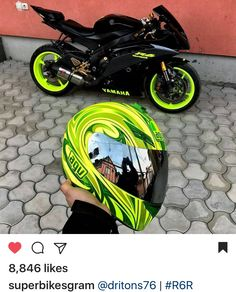 I love it when the gear matches the bike. Sport Bike Helmets, Custom Sport Bikes, Yamaha Yzf R6, Cool Motorcycles, Triumph Motorcycles, Sportbikes, Motorcycle Bike, Motorcycle Quotes, Biker Girl