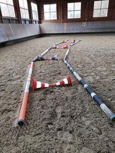 Horse Riding Tips, Horse Tips, Horsemanship Patterns, Horse Paddock, Horseback Riding Lessons, Horse Exercises, Horse Games, Horse Training, Show Jumping