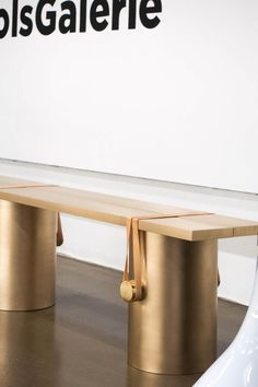 Johan Viladrich is a multidisciplinary designer working on the symbiosis between context, form and material. Bench Furniture, Home Furniture, Furniture Design, Earthy Home Decor, Interior Architecture, Interior Design, Console Cabinet, Vanity Desk, Decoration Table