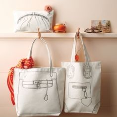 Trompe l'Oeil Accessories ~ Canvas Pouch and Tote Bags / Using our clip art printed onto fabric transfers, you can turn a plain tote into a witty style statement. Diy Sac Pochette, Couture Main, Fabric Bags, Shopper, Handmade Accessories, Canvas Tote Bags, Canvas Totes, Diy Clothes, Craft Ideas