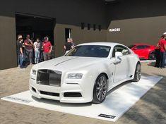 Rolls Royce Wraith by RACE! Rolls Royce Wraith, Rolls Royce Cars, Rims For Cars, Hot Cars, Muscle Car Rims, West Coast Customs, Les Brown, Semi Trucks, Luxor