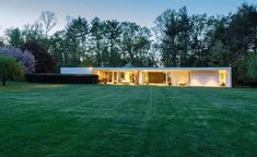 This Eliot Noyes mid century home in New Canaan Connecticut #midcentury #midcenturymodern #architecture #architect #modern