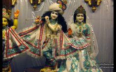 To view Radha Govinda  Wallpaper of ISKCON Calcutta in difference sizes visit - http://harekrishnawallpapers.com/sri-sri-radha-govinda-iskcon-calcutta-wallpaper-001/