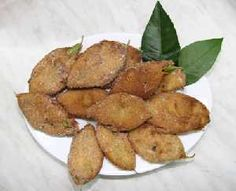 Papajarotes (fried lemon leaves)  delicacy from Murcia (Spain)  Spanish video here.