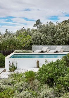 Gallery of River House F / Bert Pepler Architects - 17 Modern Pool House, Modern Pools, Outdoor Cafe, Outdoor Living, Pool Fountain, Swimming Pool Designs, Swimming Pools, Small Pools, Outdoor Landscaping