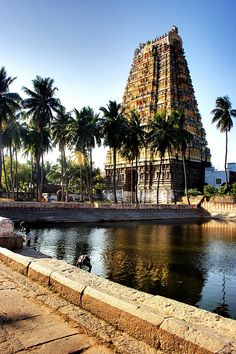 Vedagiriswarar temple is a Hindu temple dedicated to the god Shiva located in Tirukalukundram , Tamil Nadu, India. Indian Temple Architecture, India Architecture, Ancient Architecture, Temple India, Hindu Temple, Best Island Vacation, Amazing India, India Culture, Fantasy Setting