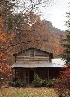 Very rustic & I love the setting.