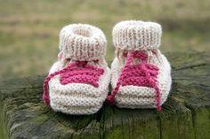 Babyschühchen Babysocken beige/bordeaux von hemstickat auf Etsy