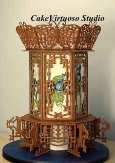 Traditional Chinese lantern - Royal icing panelled cake with tube...