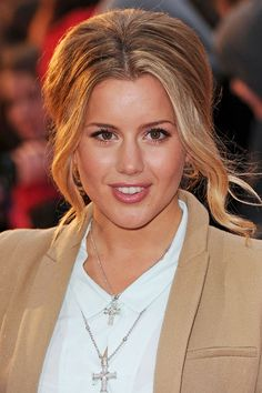 Caggie Dunlop's voluminous up-do Wedding Hair And Makeup, Wedding Beauty, Hair Makeup, Brown Eyes Blonde Hair, Pinterest Fashion, Hair Pictures, New Hair, Wedding Hairstyles