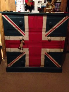 Aubusson, emperors silk and old white. Travel Crafts, Union Flags, Mini Coopers, Guest Bed, Annie Sloan Chalk Paint, Union Jack, Painted Furniture, Coffee Mugs, The Unit