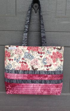Excited to share the latest addition to my #etsy shop: Quilted Handbag Cotton Fabric Bag Handmade Bag Tote Bag with Pockets Handbag Marble and Butterfly Fabric Quilted Bag Large Purse Beachbag