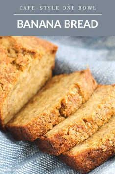 A delicious and moist cafe-style banana bread recipe that takes just 5 minutes to make. The perfect way to use up ripe bananas! #banana #bread #recipe #thermomix #conventional #onebowl #easy #freezer #cafe Beginners Bread Recipe, Quick Bread Recipes, Banana Bread Recipes, Baking Recipes, Easy Recipes, One Bowl Banana Bread, Blueberry Bread, Homemade Muffins, Homemade Desserts