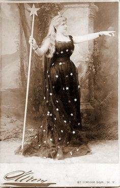 woman dressed in stars holds wand Lovely Keeper of the Stars. Late Victorian cabinet photo of woman dressed in star attire. Vintage Pictures, Old Pictures, Vintage Images, Old Photos, Vintage Witch Photos, Art Et Illustration, Illustrations, Ballerine Vintage, Constellations