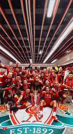 Gerrard Liverpool, Liverpool Anfield, Liverpool Football Club, Football Stuff, Sport Football, Football Players, Liverpool Fc Wallpaper, Liverpool Wallpapers, Liverpool Premier League