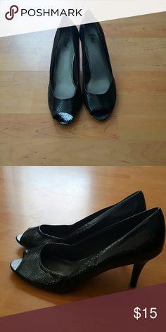 Fioni Black peep top heels Only worn once cute heels FIONI Clothing Shoes Heels