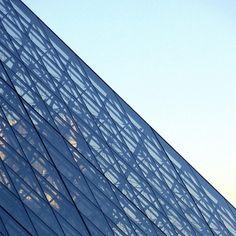 #Louvre #pyramide #Paris