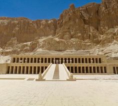 """""""The Mortuary Temple of Hatshepsut. The main axis of the temple is aligned to the winter solstice sunrise. On the 21st or 22nd of December each year the sun will penetrate through to the rear wall of the chapel.☀️ * * * #egypt #temple #valleyofthekings #travel #wanderlust #aroundtheworld #globetrotter #instatravel #holiday #vacation #nextdestination #traveldiaries #trip #adventure #travelgram #backpacker #ilovetravel #travelblogger #wishlist"""" by @reecespiecesworld (Reece 🇦🇺). #turismo…"""